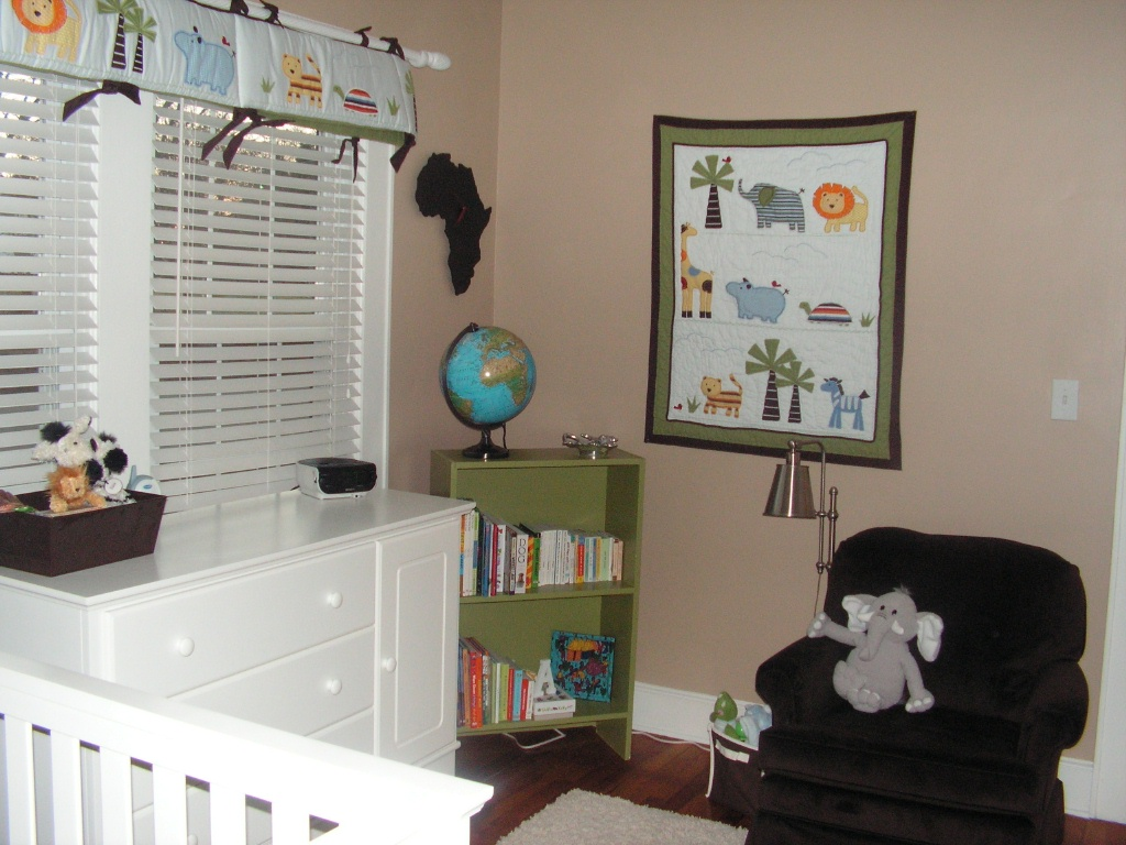 nursery-bookcase3