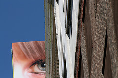 eye-sig-and-building